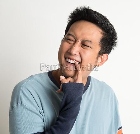 something stuck in teeth