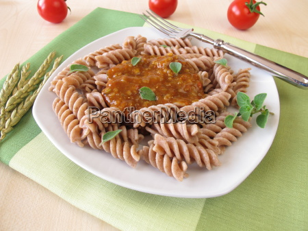 whole grain noodles with green core