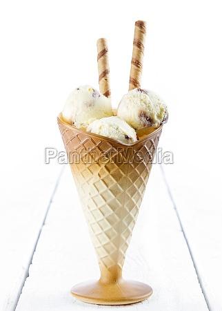 vanilla ice cream with wafer