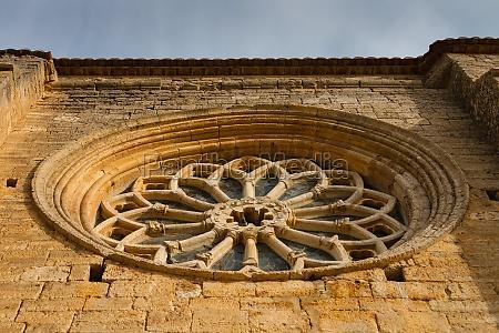 rose window of villalcazar de
