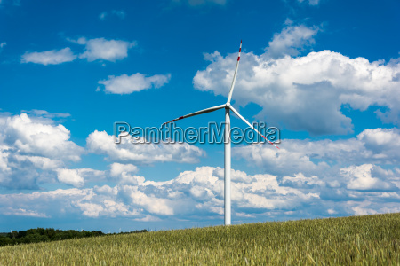 windpark auf laendlichem gelaende