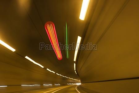 abstrakt geschwindigkeit bewegung autobahntunnel