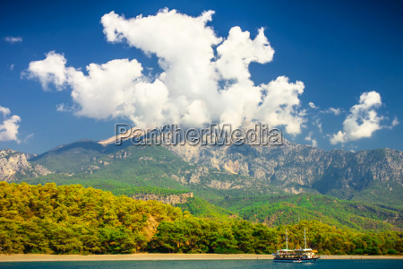 schoene landschaft tuerkei berg ueber cloudscape