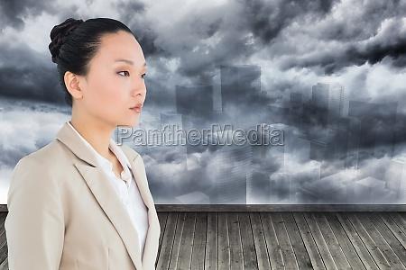 imagen compuesta de una empresaria asiatica
