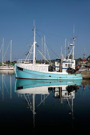 blaues fischerboot