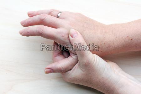 aching hands
