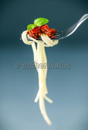italienische spaghetti auf einer gabel