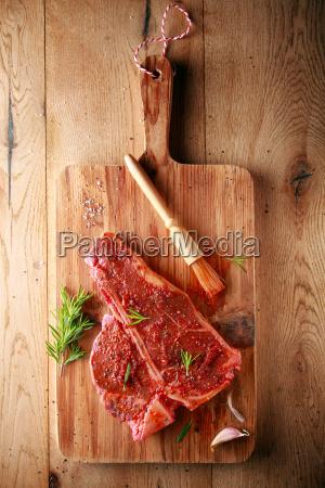 wuerzen eines t bone steaks zum