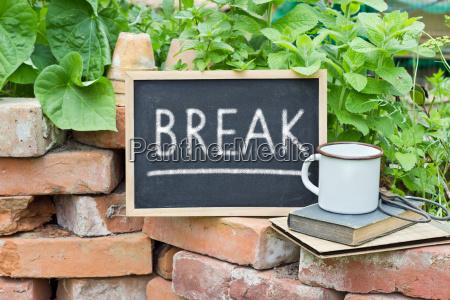 text lettering english break coffee break