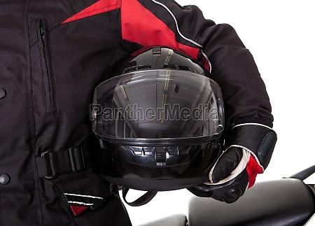 mand i beskyttende gear med sin