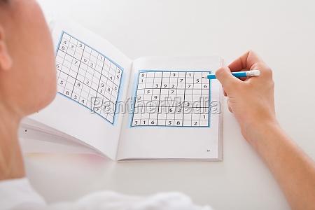 frau loesen sudoku