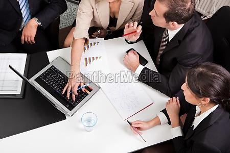 business team bei der besprechung