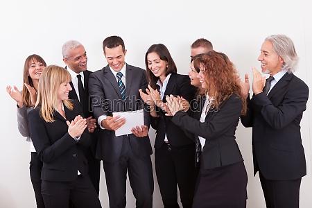 business team applaudieren