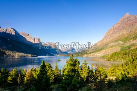 szenische ansicht der gebirgskette im gletscher
