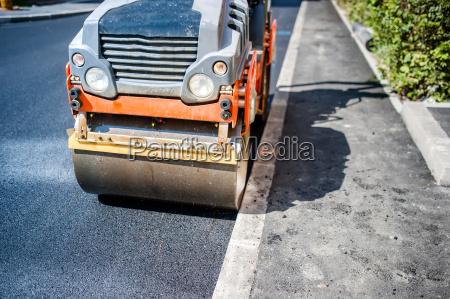 schwerer vibration rollenverdichter bei asphaltbelag fuer