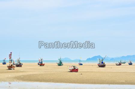 schiff am strand auf grund