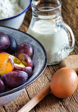 fresh zuaten for a plum cake