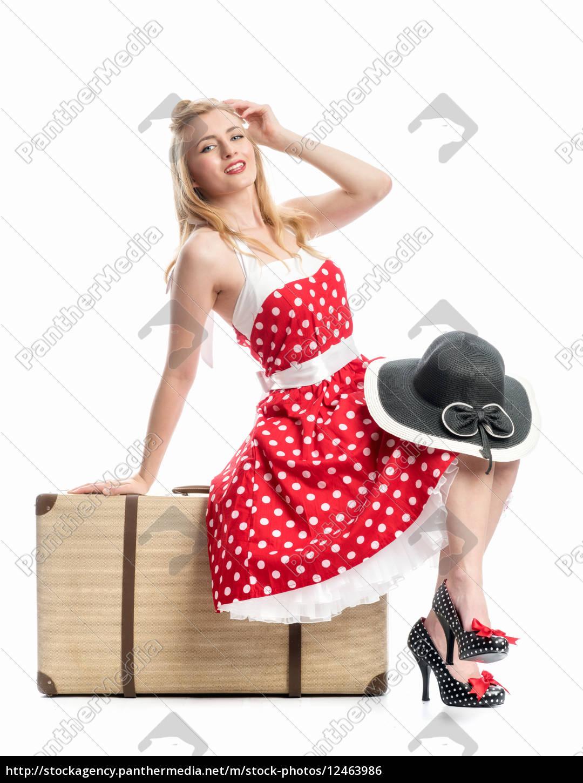 pinup, girl, sitzt, auf, koffer - 12463986