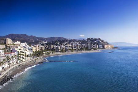 playa de la caletilla almunecar andalusien