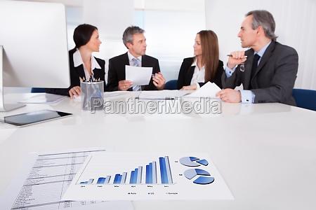 buero strategie deal geschaeft business geschaeftsleben