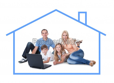 konzeptionelle bild der familie zu hause