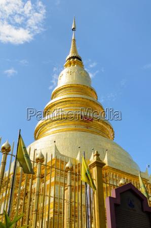 tempel beruehmt golden thailand pagode ort