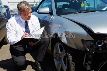 schreiben schreibend schreibt auto automobil personenkraftwagen
