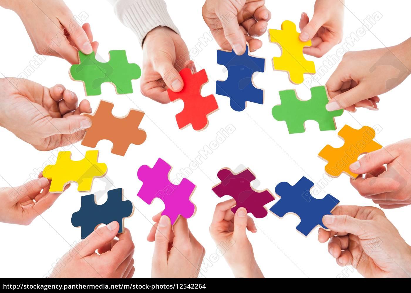 fünf, personen, hand, mit, puzzle - 12542264
