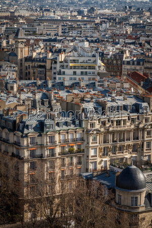 skyline von paris mit stadtbild an