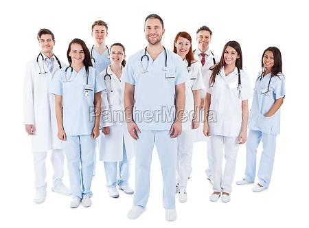 grosse vielfaeltige gruppe von medizinischem personal