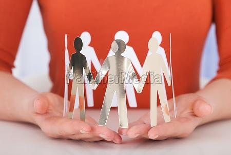 geschaeftsfrau team von papier menschen am