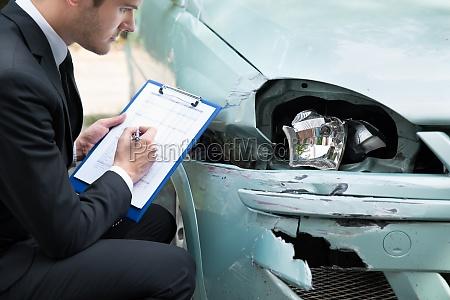 versicherungsagent pruefungs auto nach unfall