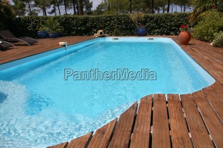 nahaufnahme des privaten swimmingpool