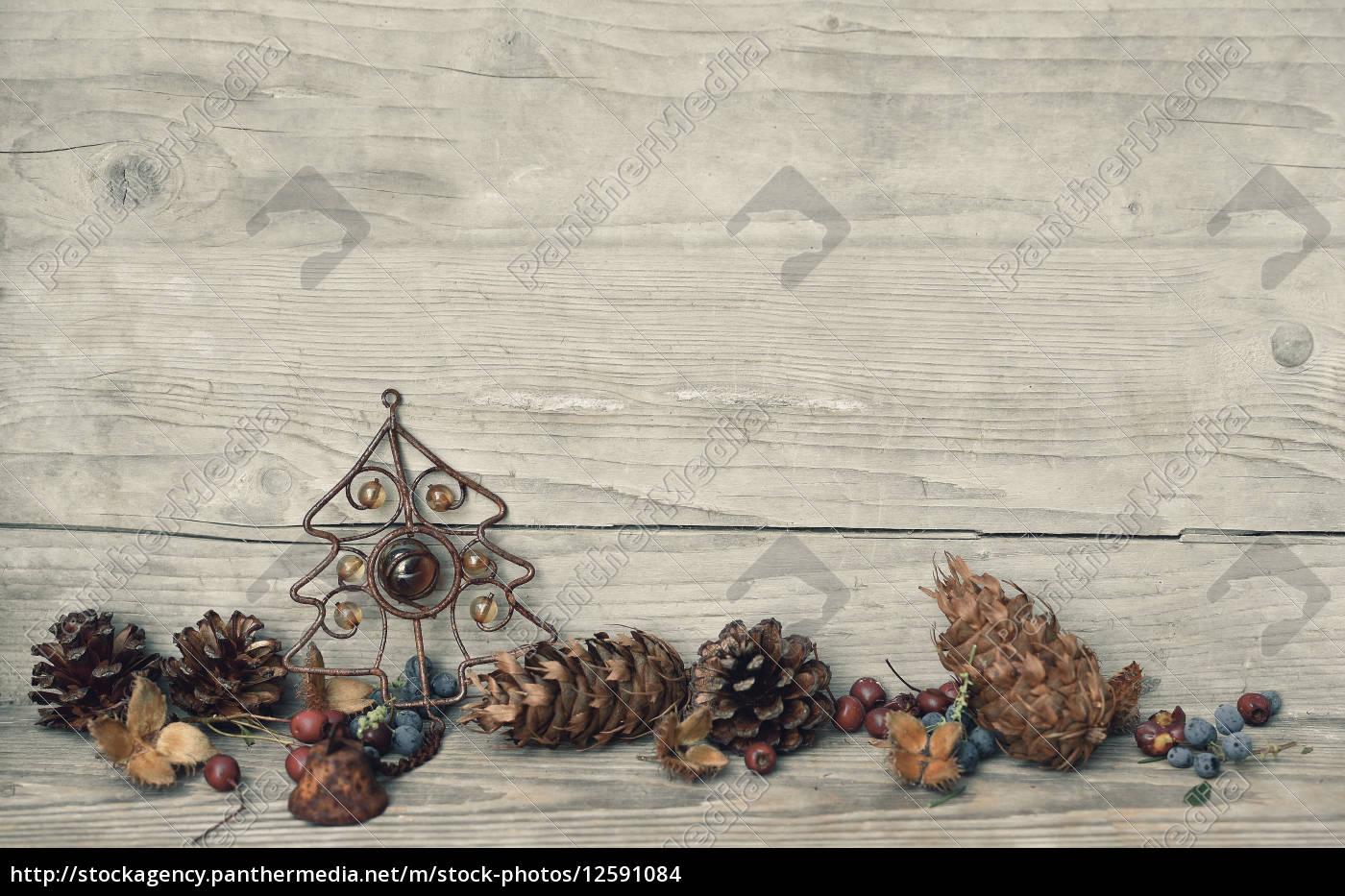 weihnachten holz hintergrund stern lizenzfreies foto 12591084 bildagentur panthermedia. Black Bedroom Furniture Sets. Home Design Ideas