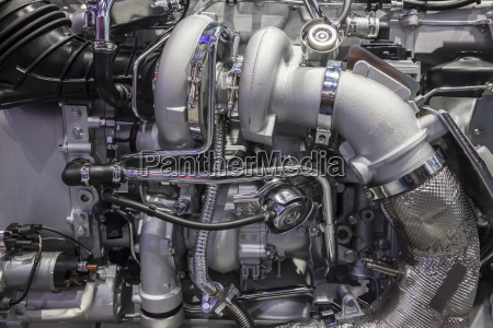 hochleistungs lkw turbodieselmotor mit zwei turboladern