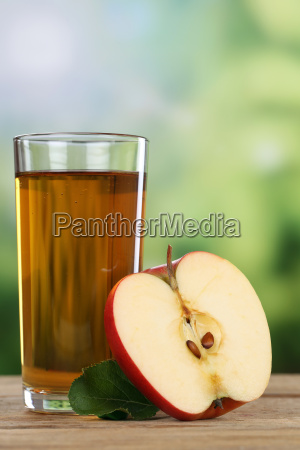 apple juice and sliced apple in