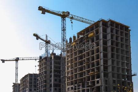 blau haus gebaeude bauen stadt modern