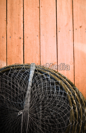 fisch netz fischfang fischend angelnd