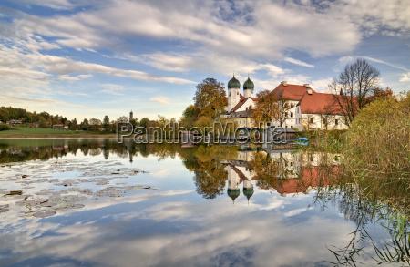 kirche kloster kloster seeon see bayern