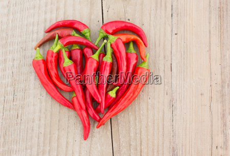pepper red spice heart haert shape