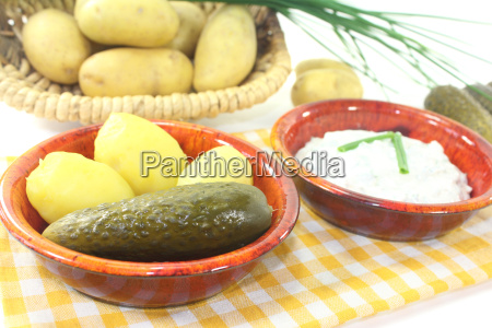 potato and curd with cucumber