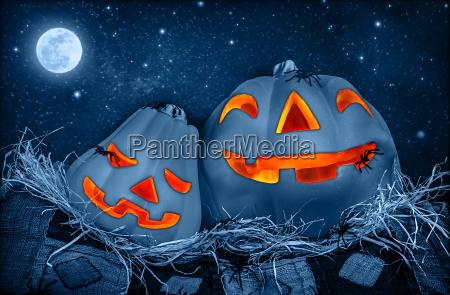 gruseliger halloween kuerbis