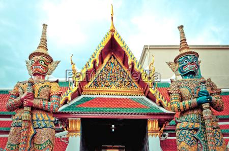 guard daemon koenigspalast bangkok thailand