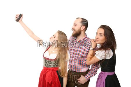 bayerische gruppe beim selfie