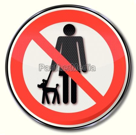 verbotsschild fuer hunde an der leine