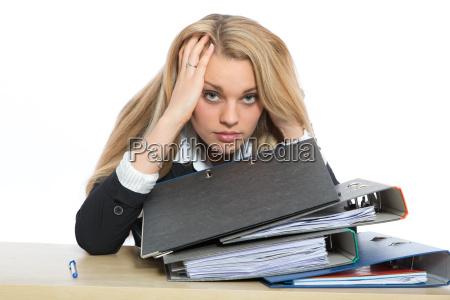 frau hat burnout syndrom