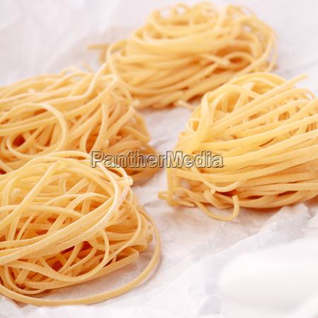 frische hausgemachte italienische eiernudeln