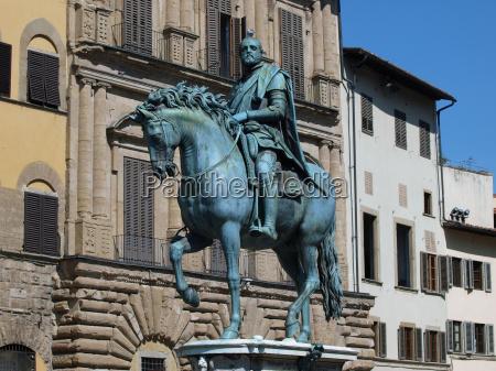 statue toskana florenz reiter standbild bildsaeule