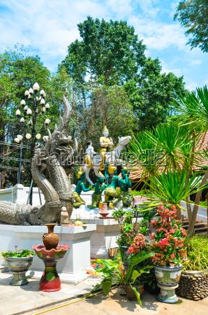 fahrt reisen oeffentlich statue thailand baustil