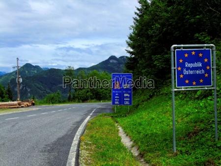 grenzuebergang am seebergpass zur republik OEsterreich